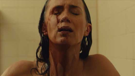 sicario-emily-blunt-shower