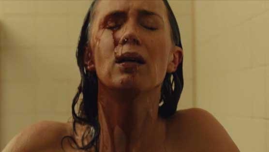 sicario-emily-blunt-shower